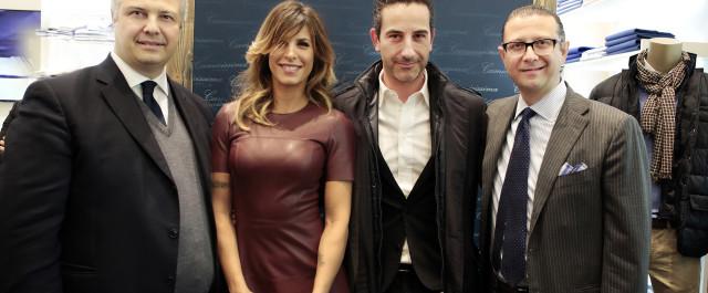 Elisabetta Canalis festeggia con Camicissima