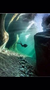 Immersione in Val Verzasca. Foto credits: Associazione Maggiore Diving