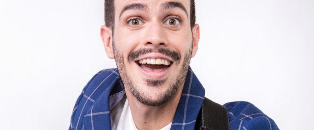 Il pop didattico di Lorenzo Baglioni al Teatro Nuovo di Milano